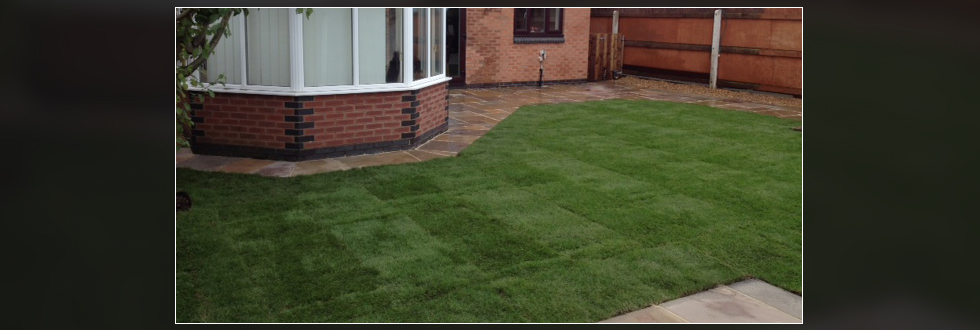 barlow-landscaping-paving-green-turfed-lawn